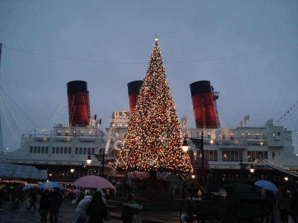 American Waterfront is all decorated for Christmas